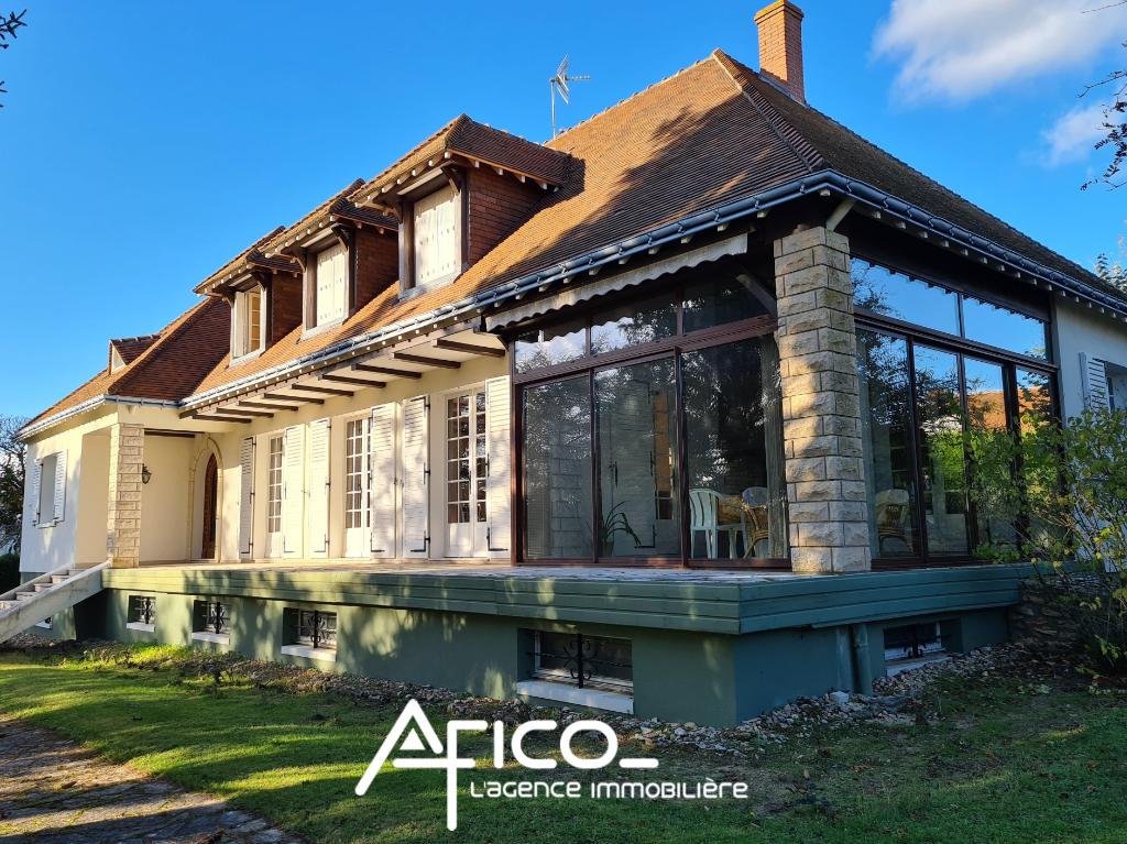 Maison – 250 m² – TRUYES