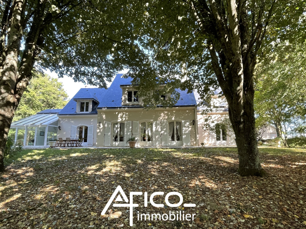 Villa – 348 m² – VEIGNE